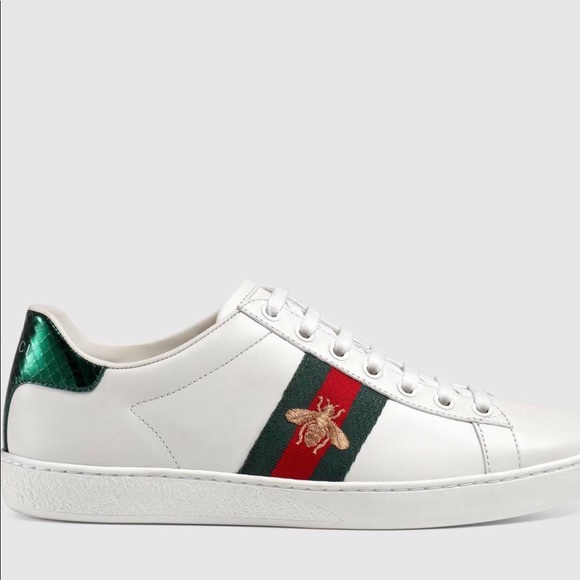 60b24b666bc AUTHENTIC Gucci Ace Bee Embroidered Sneakers 38 8